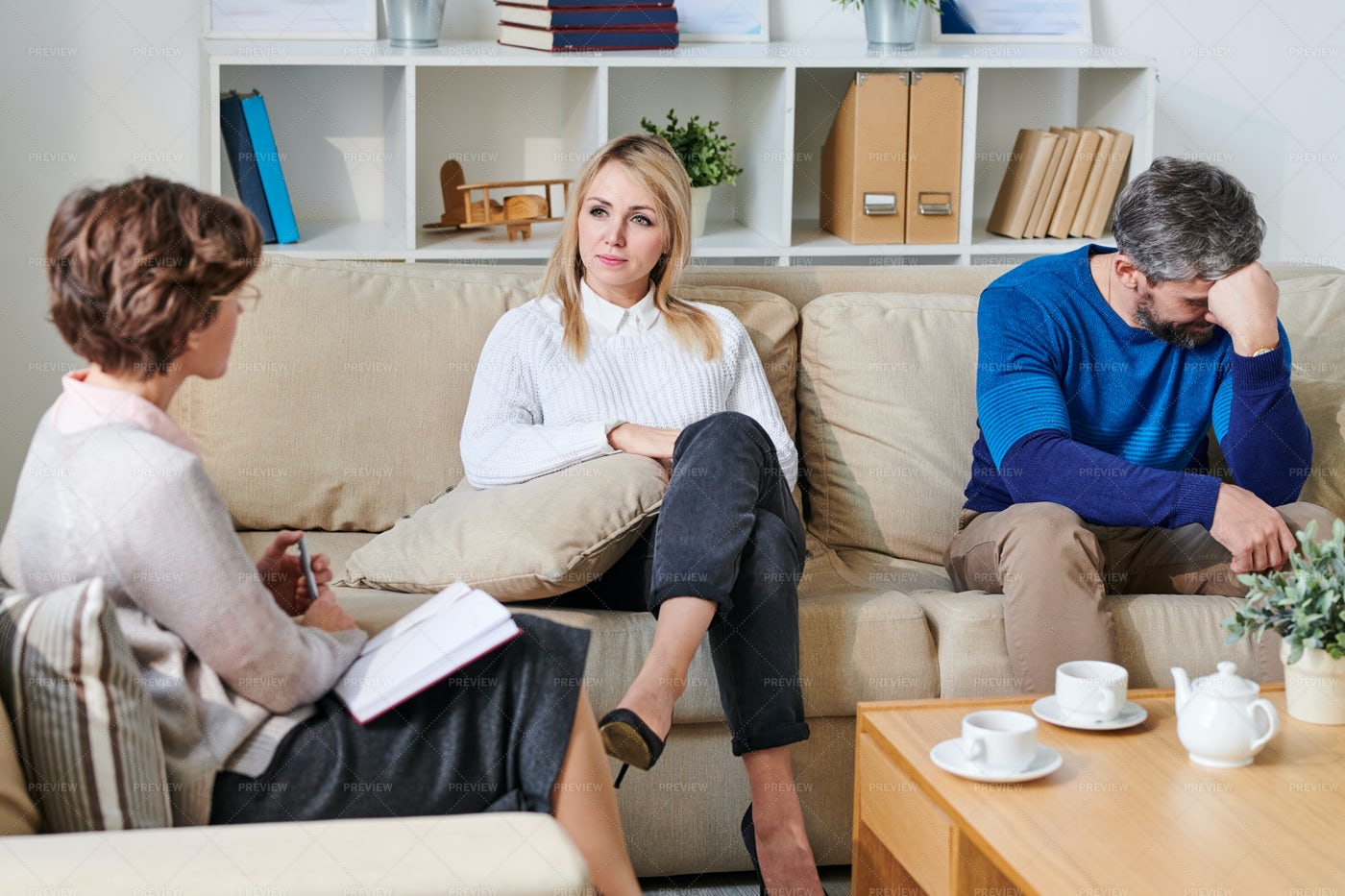 Young Couple On Verge Of Divorce: Stock Photos