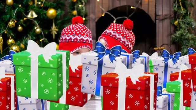 Christmas Gifts Transitions: Stock Motion Graphics