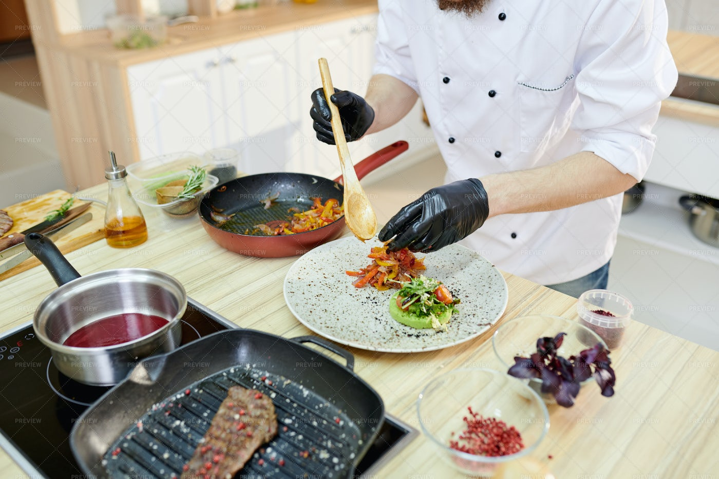 Chef Serving Food: Stock Photos