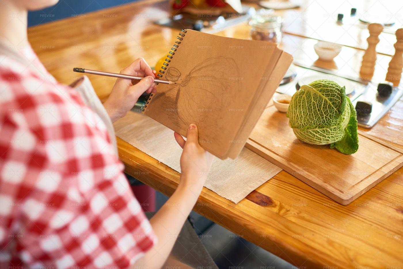 Woman Drawing: Stock Photos