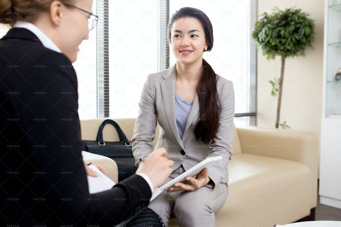 Productive Discussion With Pretty...: Stock Photos