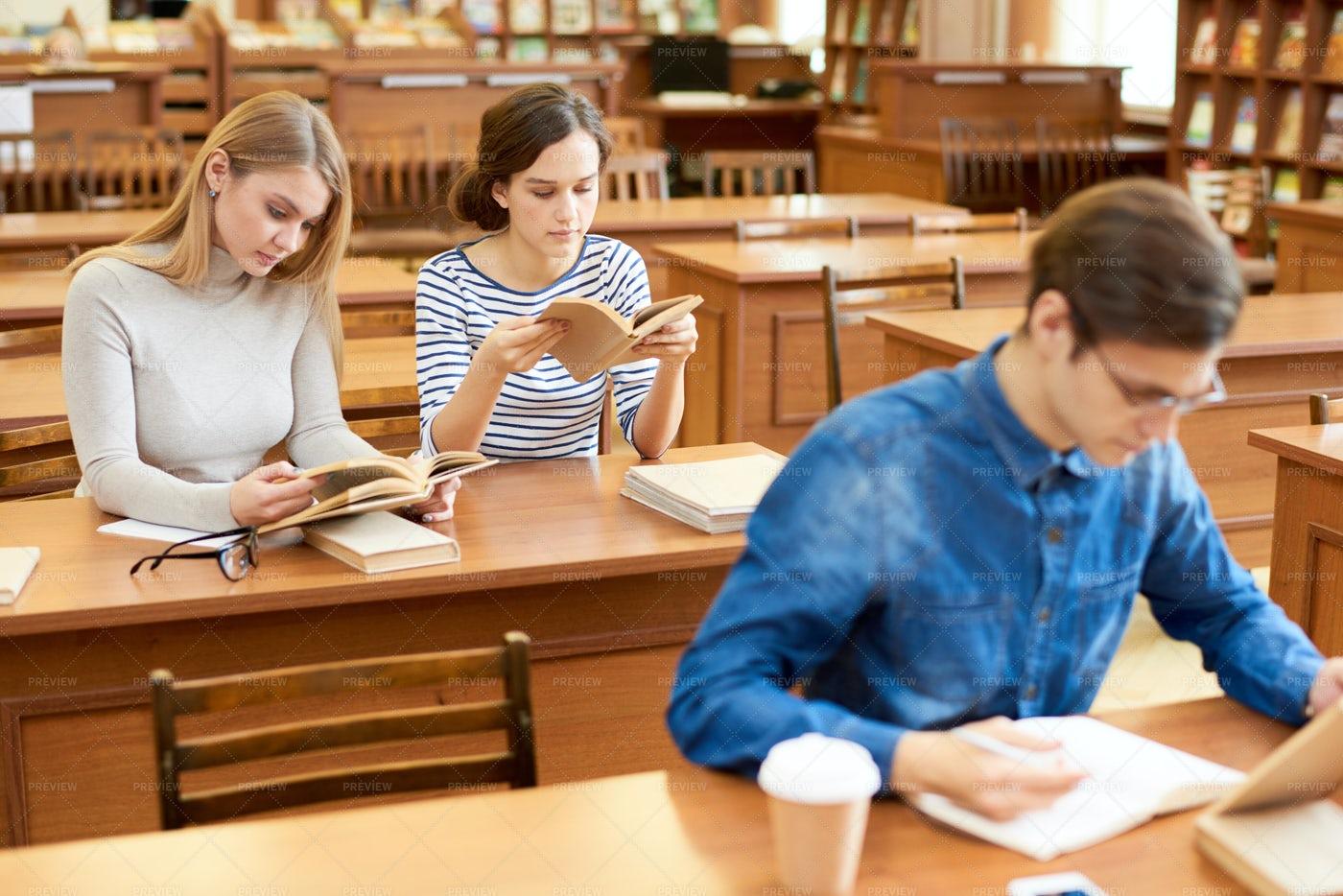 Calming Environment Of Library: Stock Photos