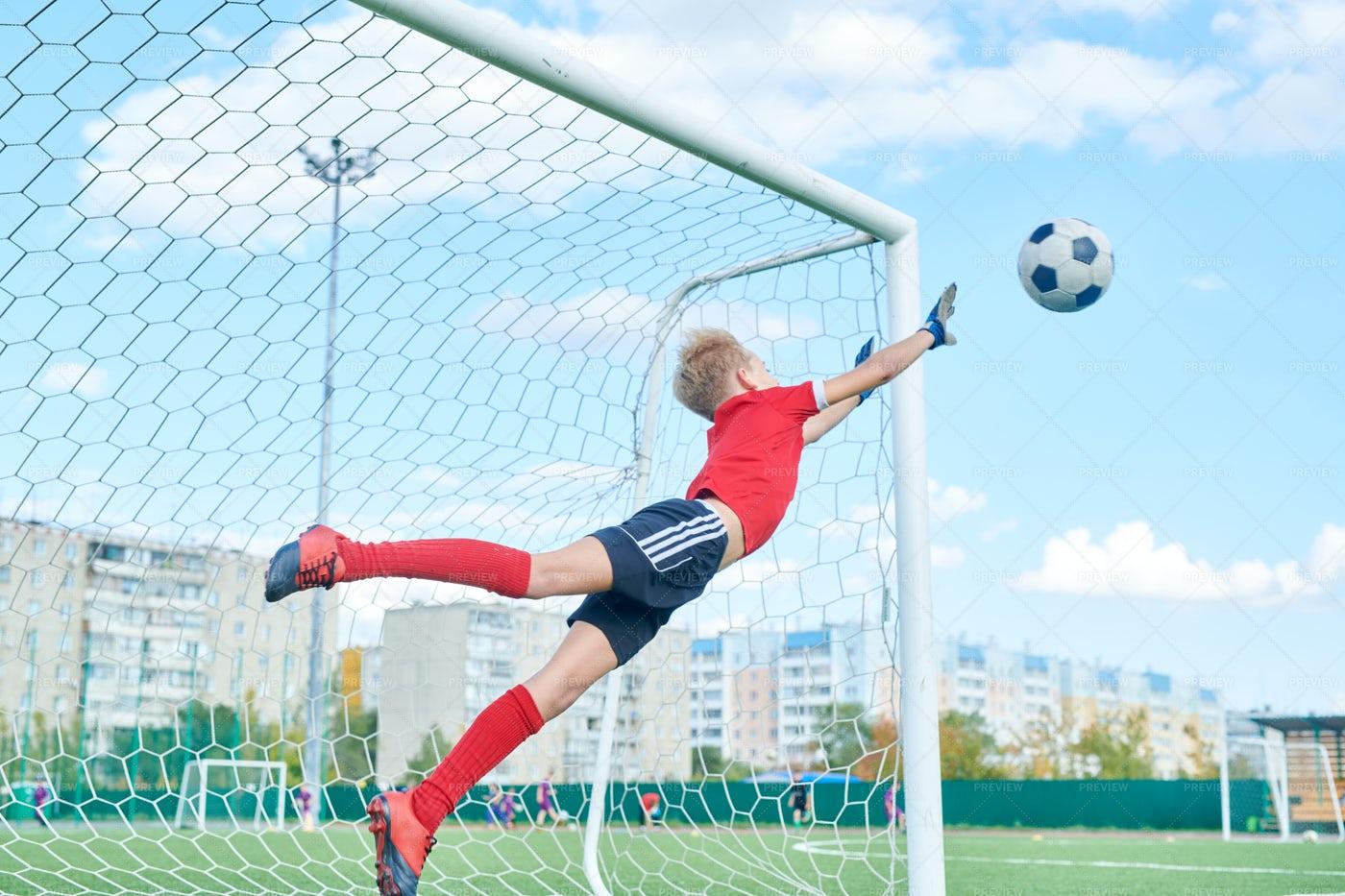 Teenage Goalkeeper: Stock Photos
