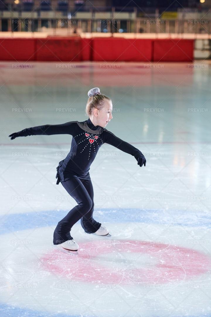 Girl Figure-Skater: Stock Photos