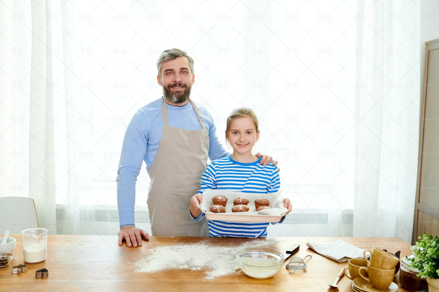 Proud Father With Little Daughter: Stock Photos