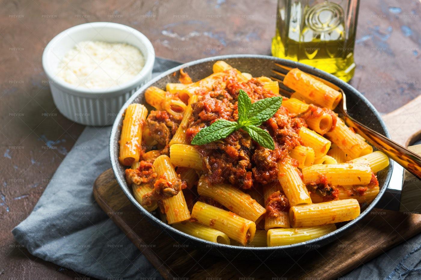 Pasta With Meat Sauce: Stock Photos