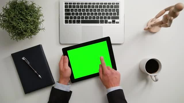 Man Using iPad: Stock Video