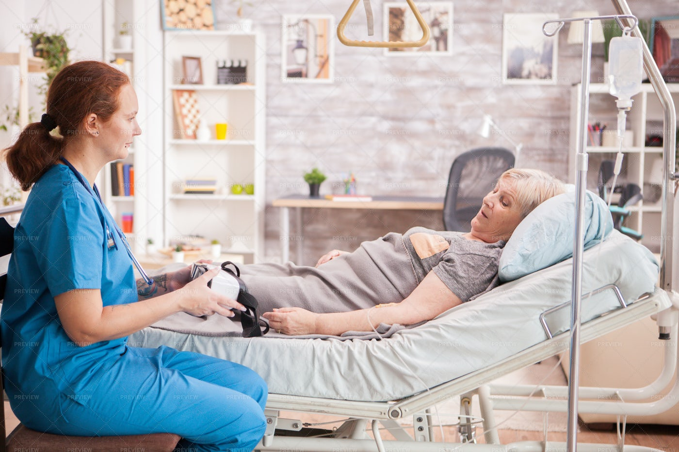 Vr Headsets In Nursing Home: Stock Photos