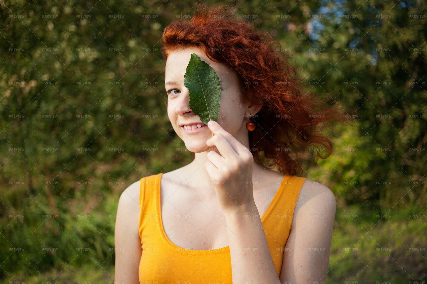 Natural Woman: Stock Photos