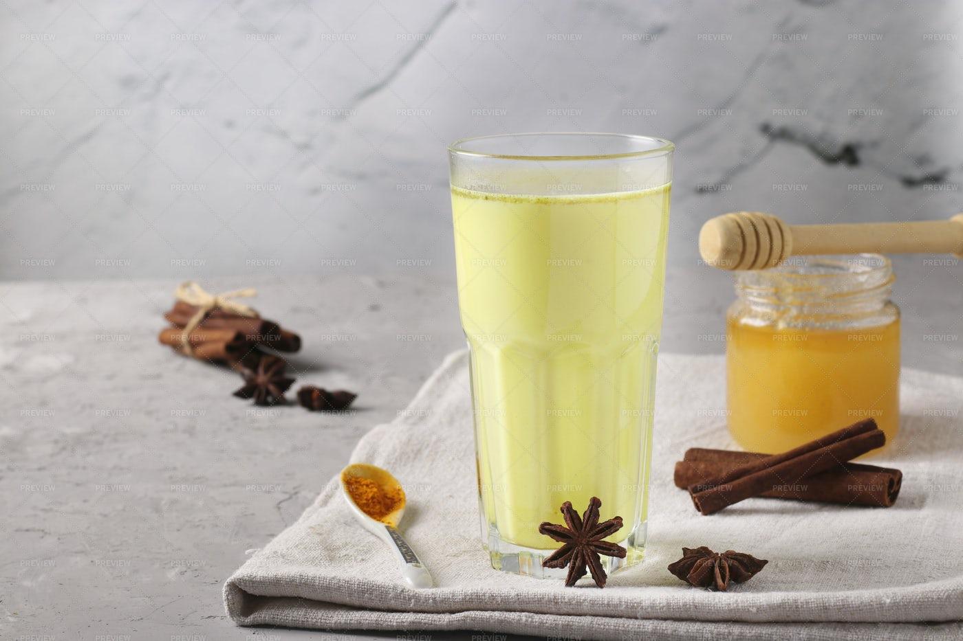 Ayurvedic Golden Milk: Stock Photos