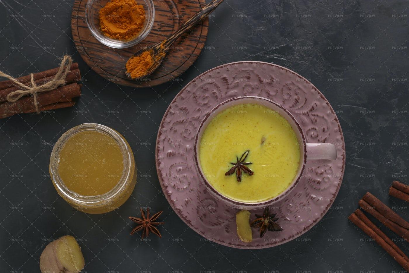 Golden Turmeric Latte: Stock Photos