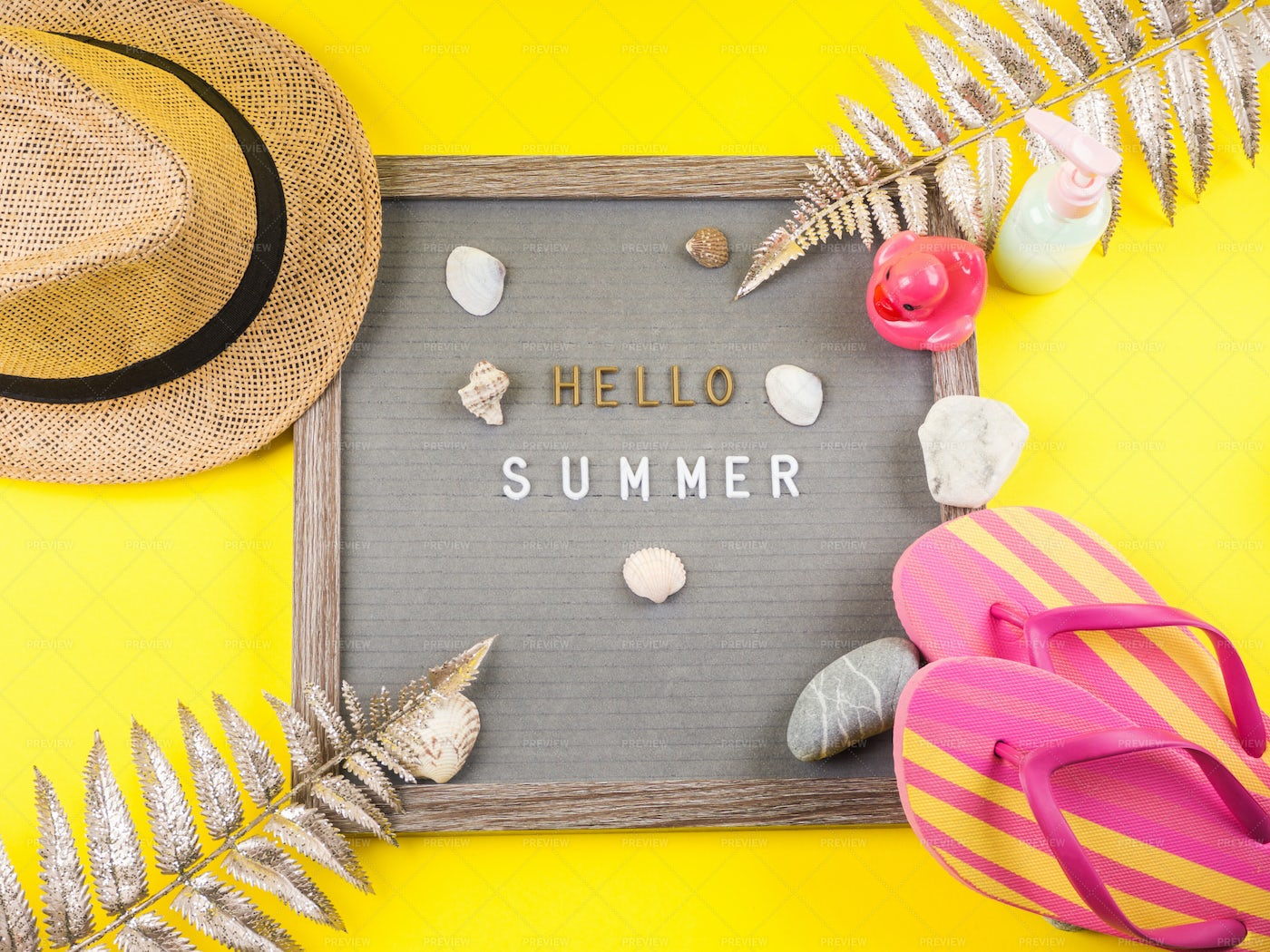 Summer Letter Board: Stock Photos