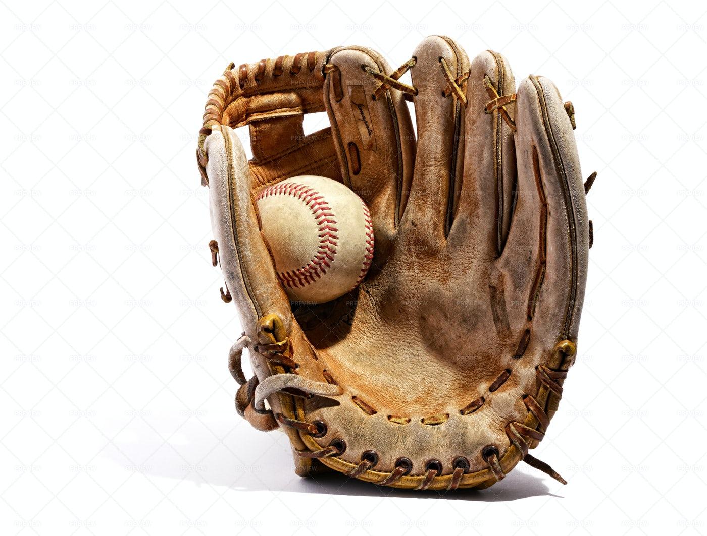 Vintage Leather Baseball Glove: Stock Photos