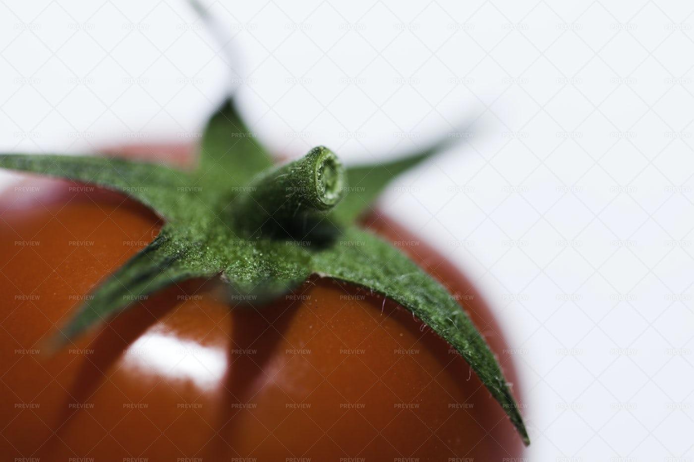 Cherry Tomato Close-Up: Stock Photos