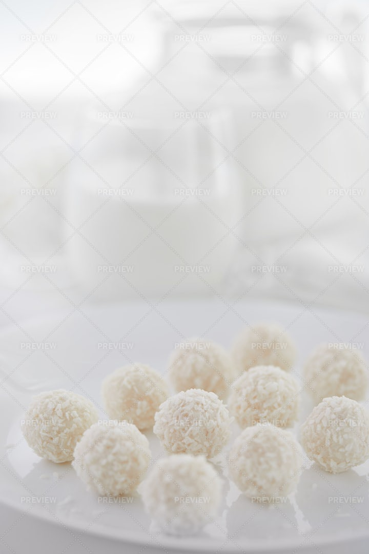 White Chocolate Coconut Candy: Stock Photos