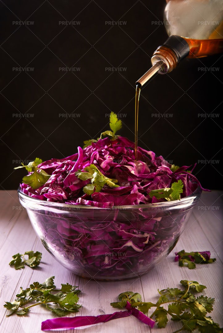 Red Cabbage Salad: Stock Photos