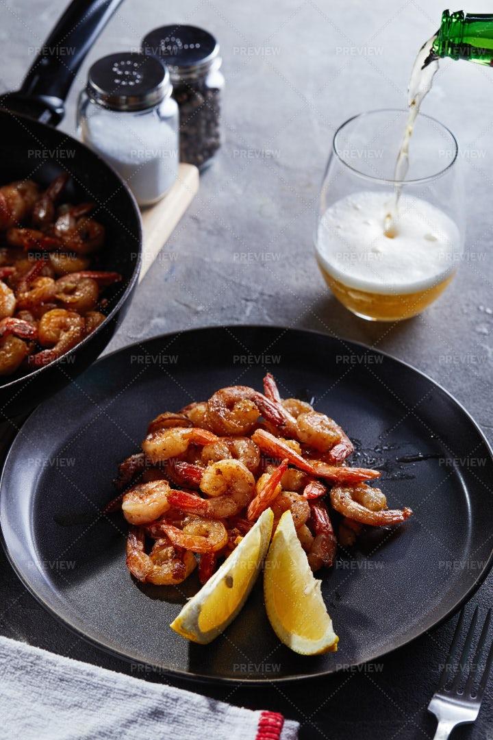 Shrimp Fried In A Pan: Stock Photos
