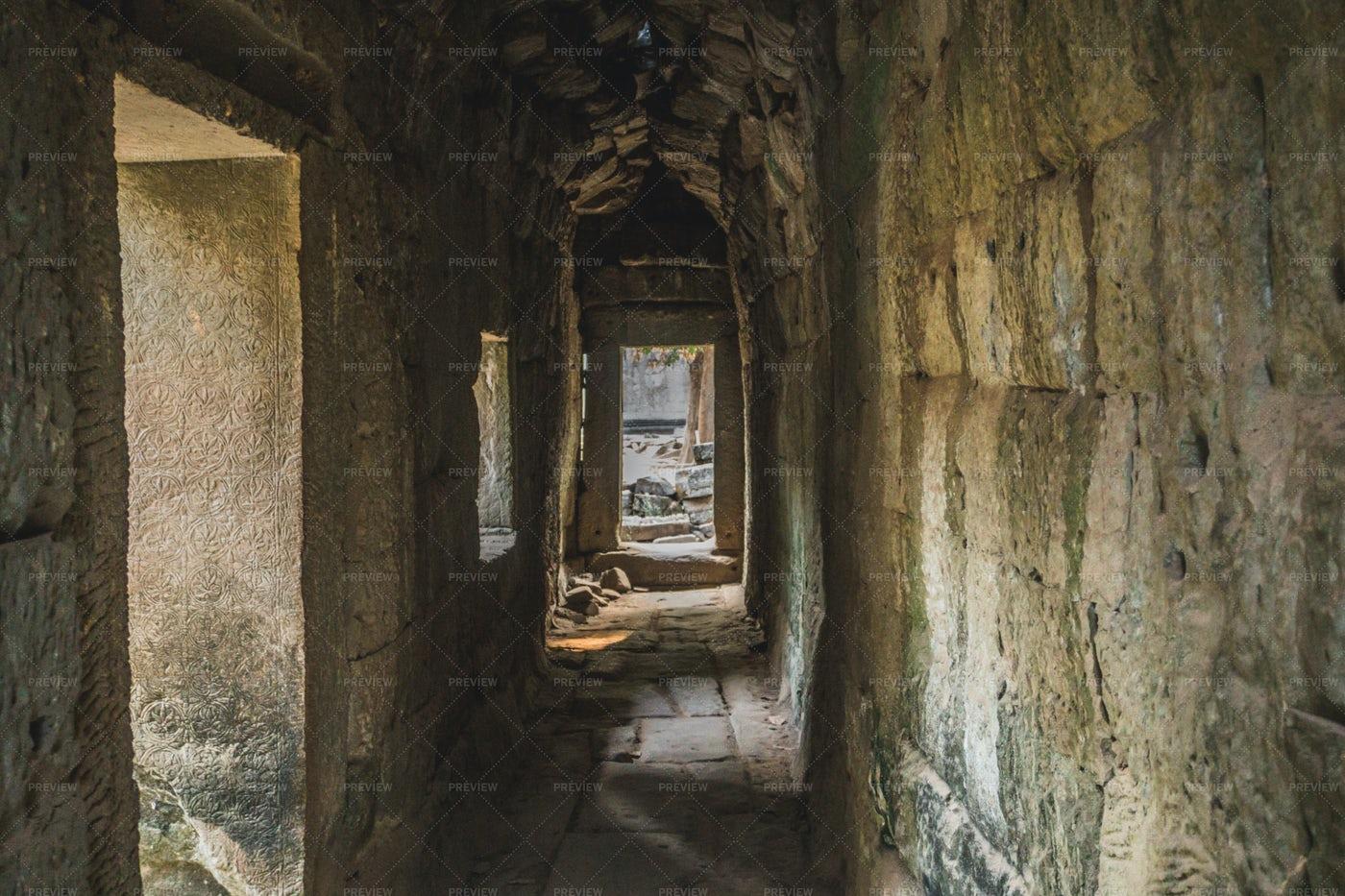 Ta Prohm Temple Hallway: Stock Photos