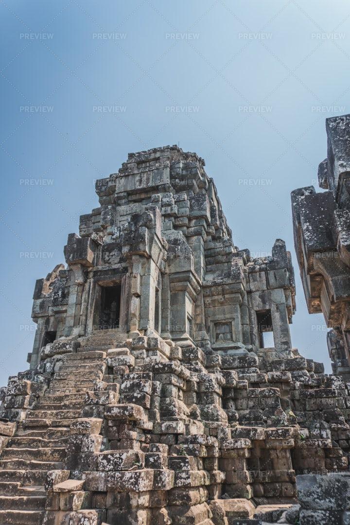Eastern Mebon Temple Ruins: Stock Photos