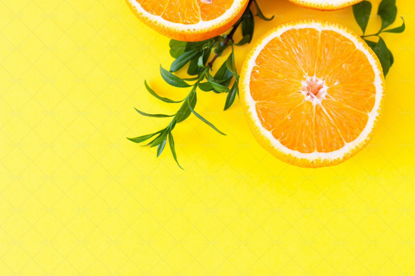 Fresh Orange With Leaves: Stock Photos