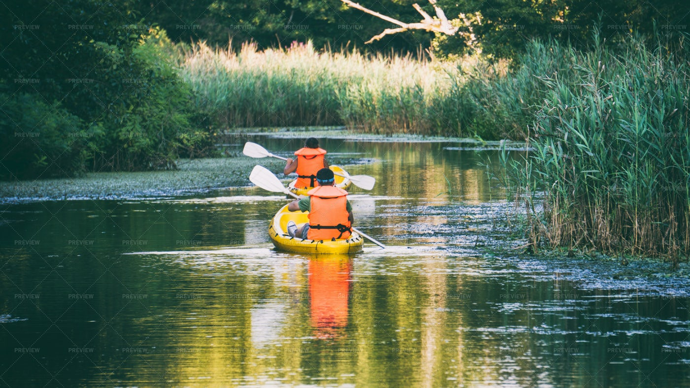 People In Kayak: Stock Photos