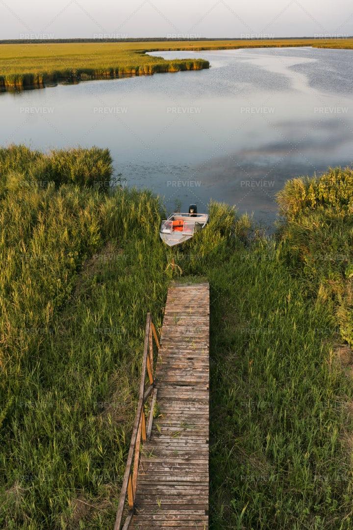 Motorboat In Lake: Stock Photos