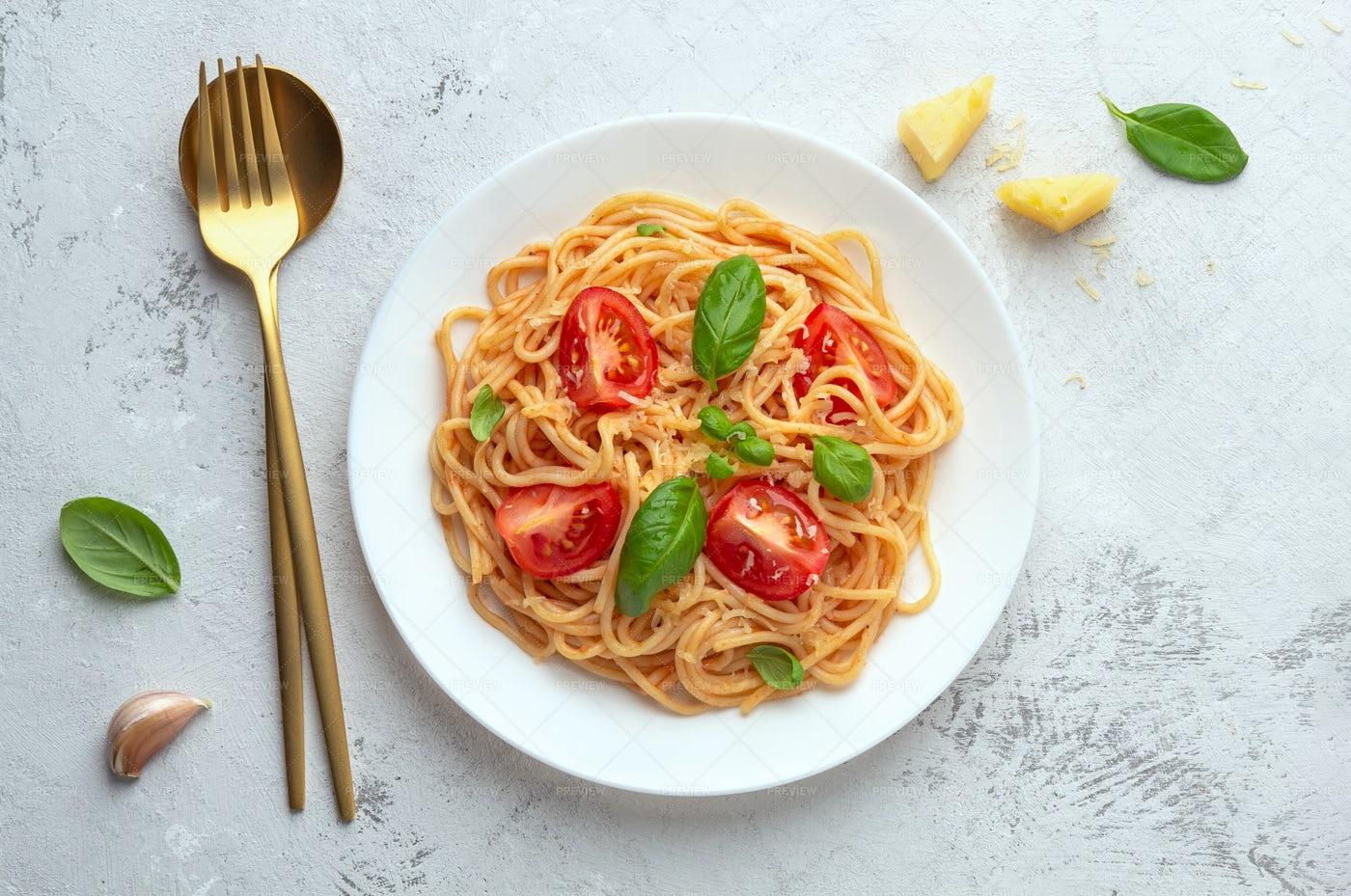 Spaghetti In Tomato Sauce: Stock Photos