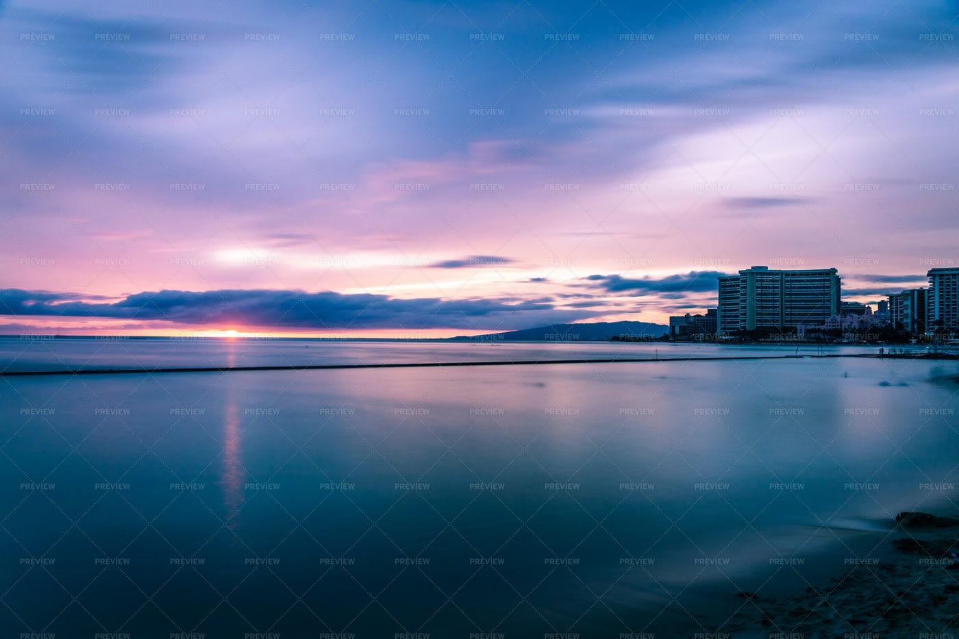 Honolulu Sunset: Stock Photos