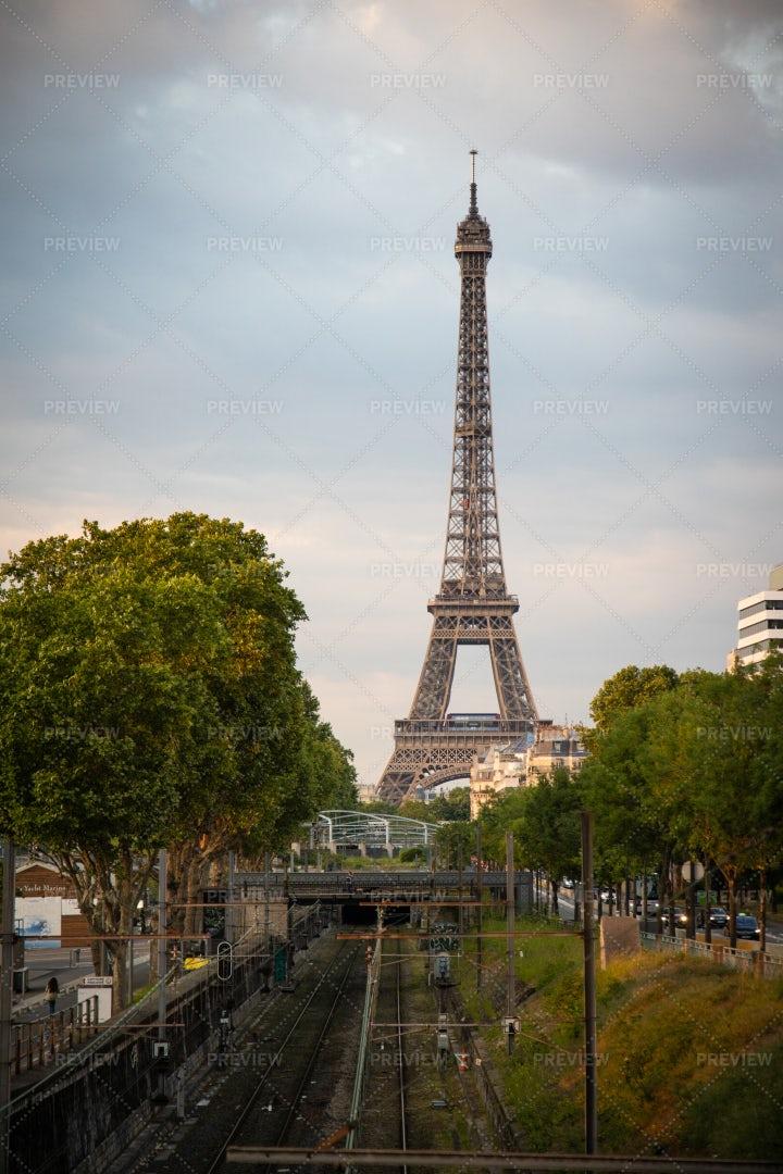 Eifel Tower And City: Stock Photos