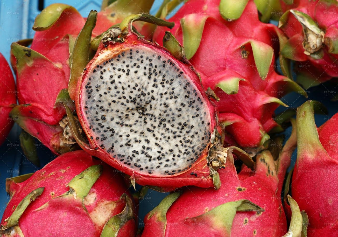 White Dragon Fruit: Stock Photos