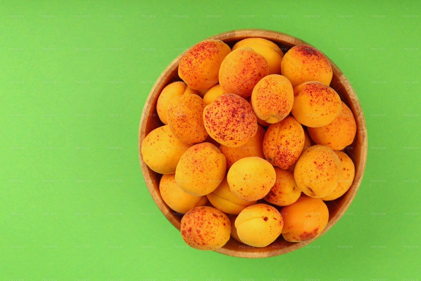 Fresh Apricots In A Bowl: Stock Photos