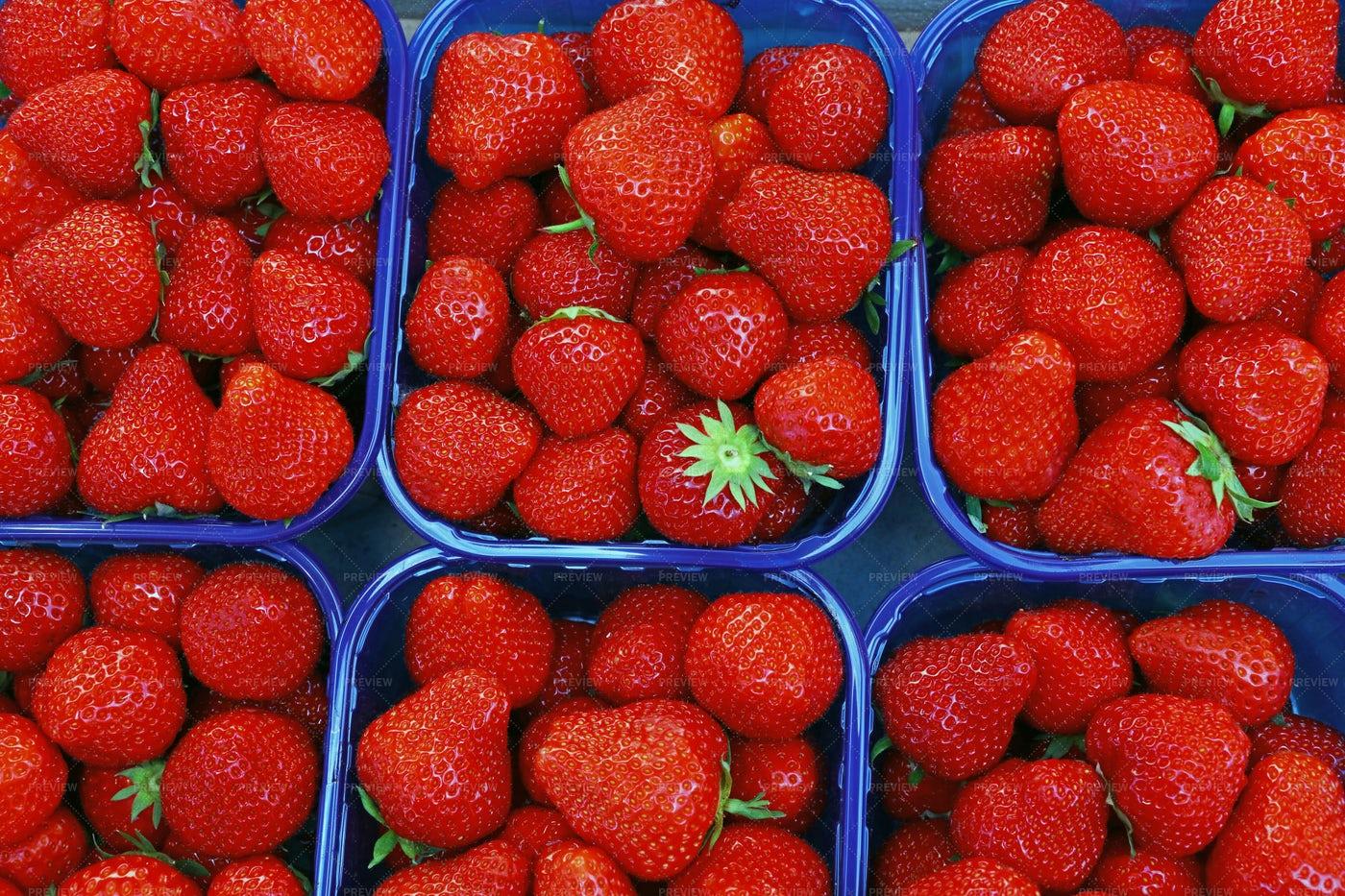 Red Ripe Strawberry: Stock Photos