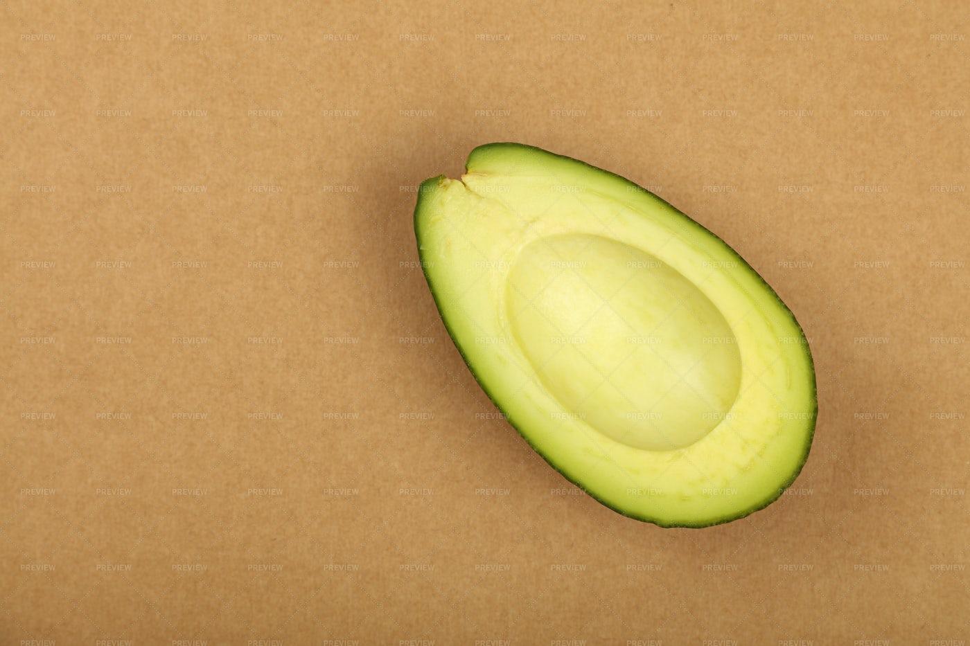 Fresh Ripe Avocado: Stock Photos