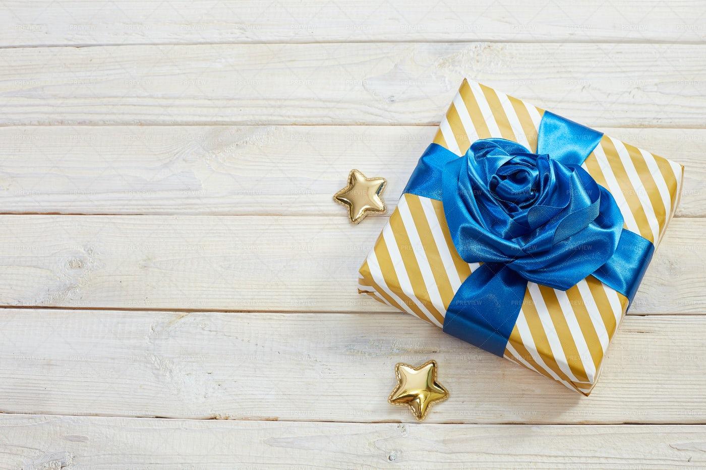 Gift Box: Stock Photos