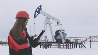 Female Oil Engineer: Stock Video