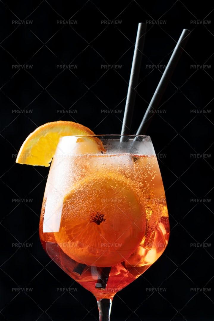 Aperol Spritz Cocktail: Stock Photos