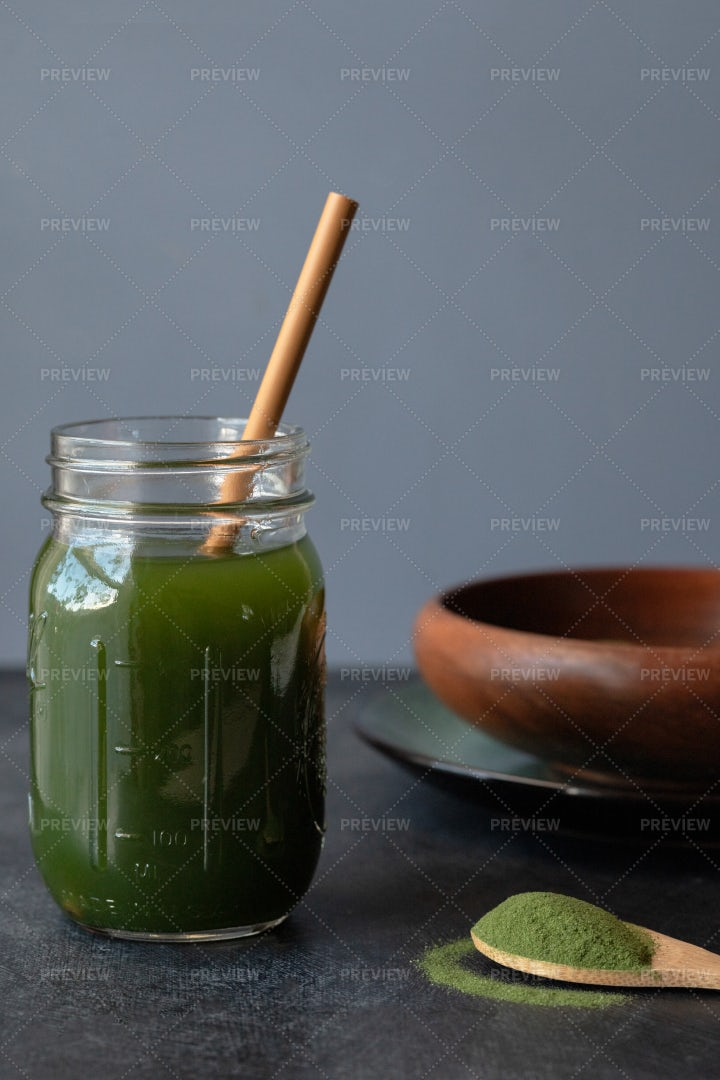 Chlorella Drink: Stock Photos