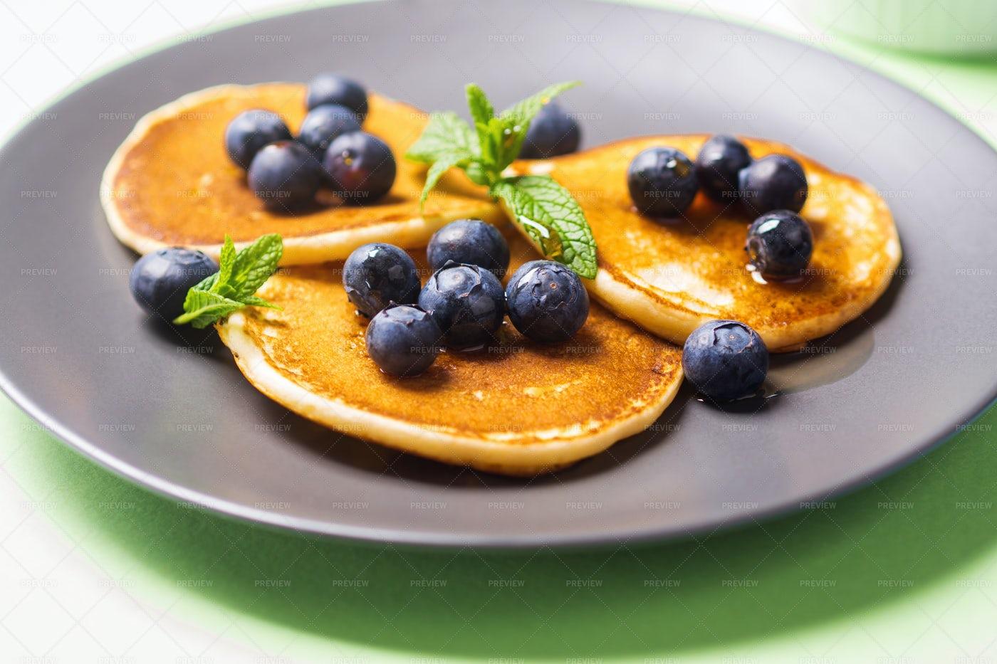 Pancakes With Blueberries: Stock Photos