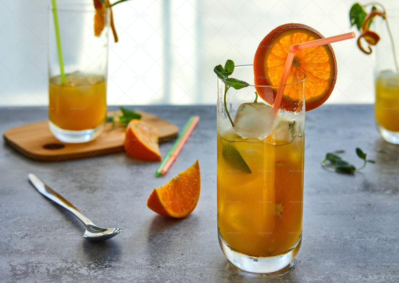 Fresh Orange Juice: Stock Photos