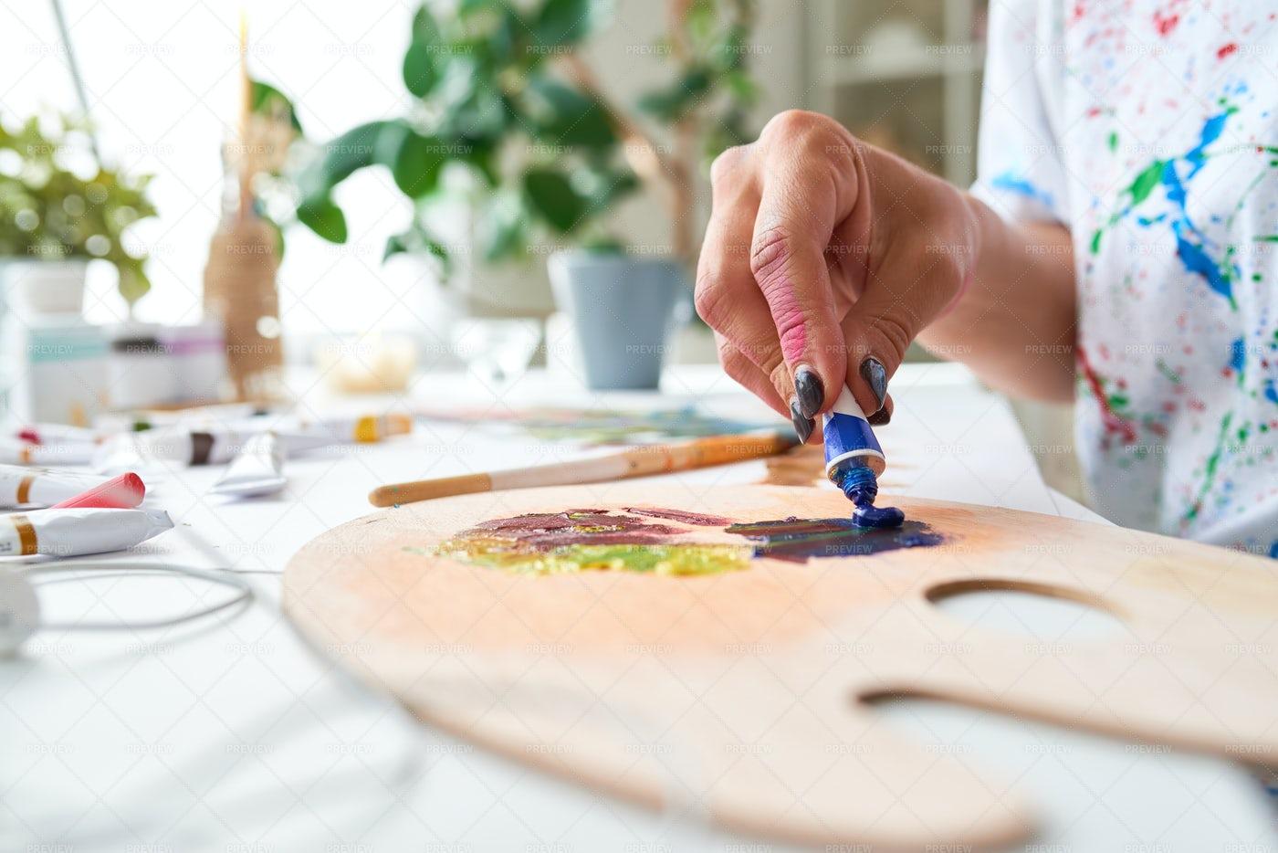 Artist Mixing Colors Close Up: Stock Photos