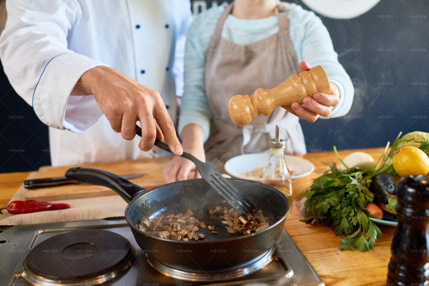 Open Kitchen In Restaurant: Stock Photos