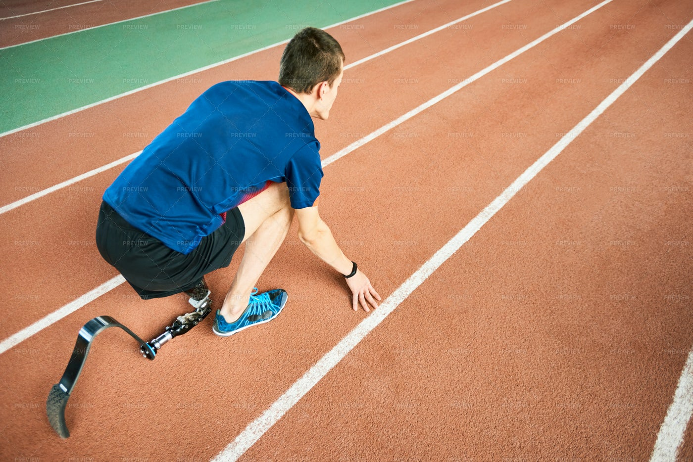 Handicapped Sportsman Ready To Run: Stock Photos