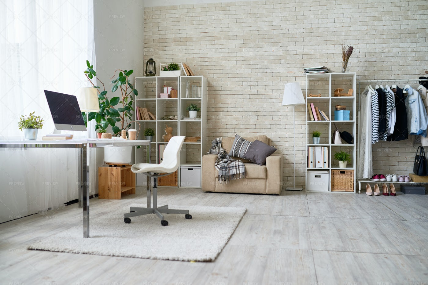 Home Office In Modern Apartment: Stock Photos