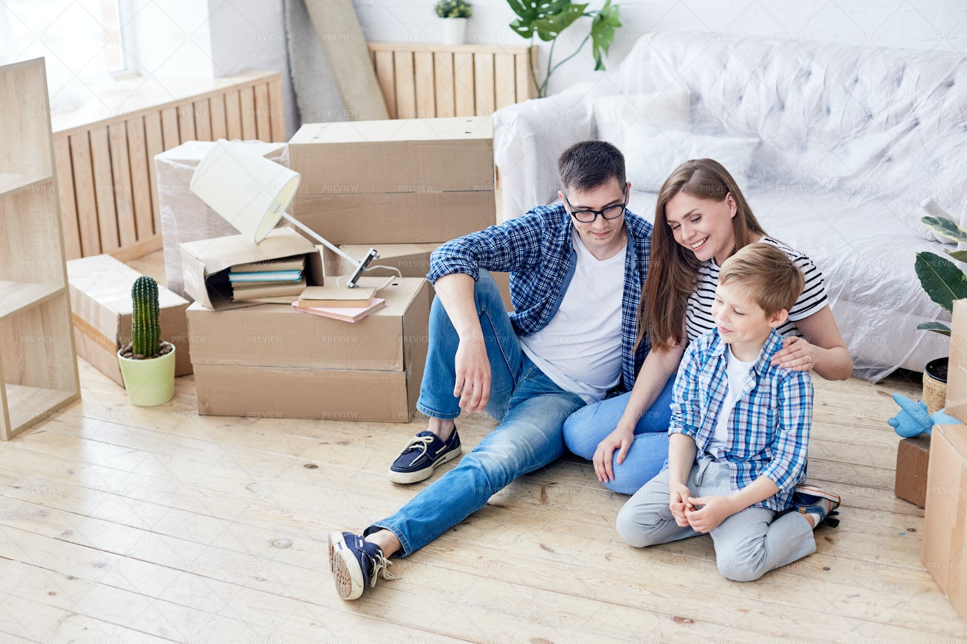 Having Fun In New Apartment: Stock Photos
