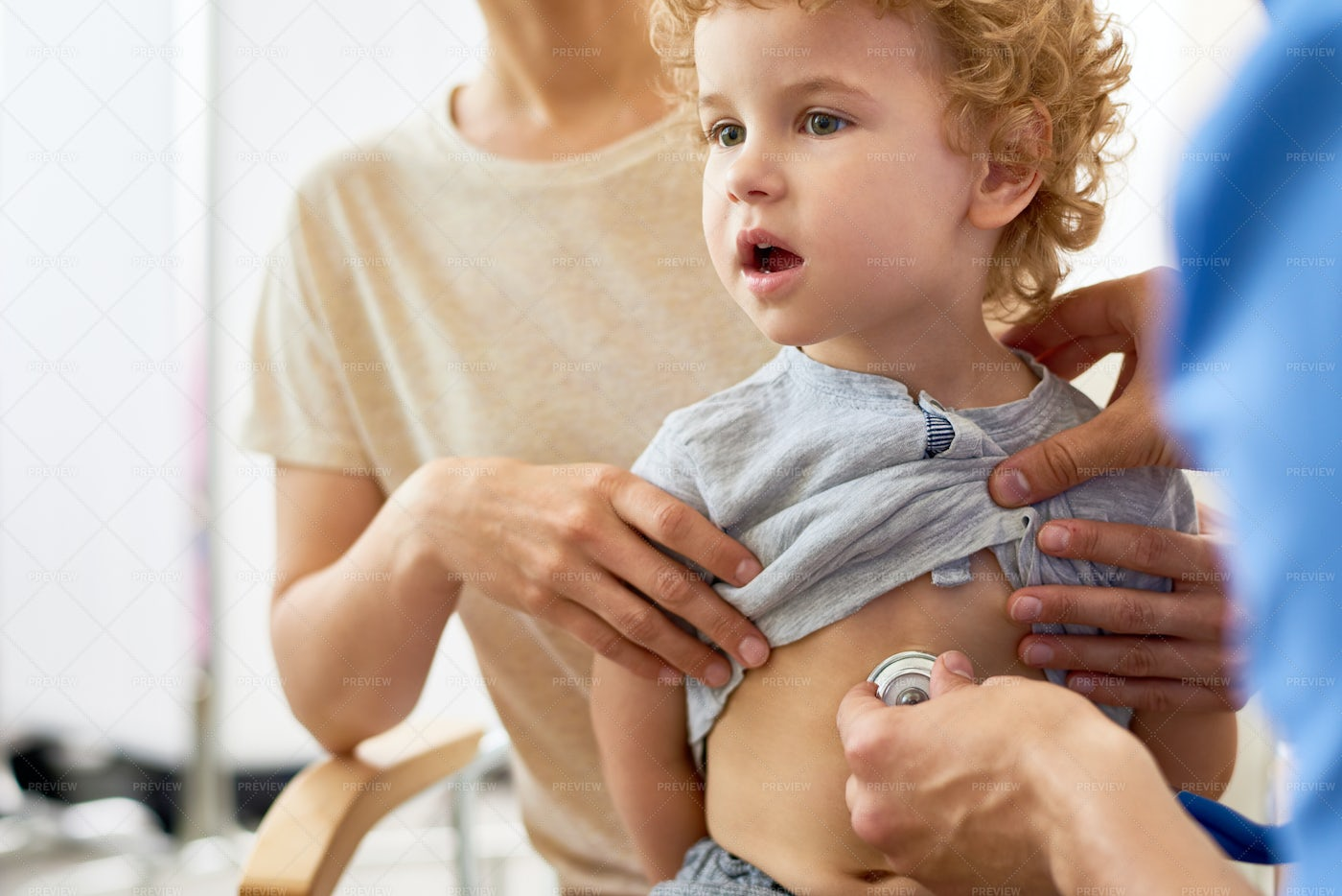 Child Visiting Doctor With Mom: Stock Photos