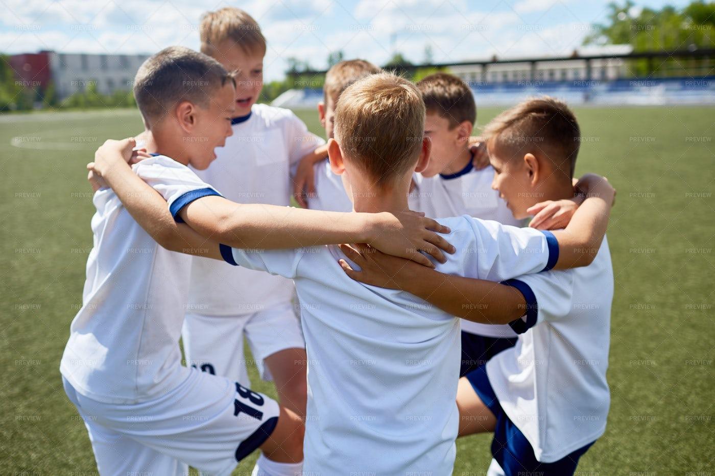 Junior Football Team United: Stock Photos