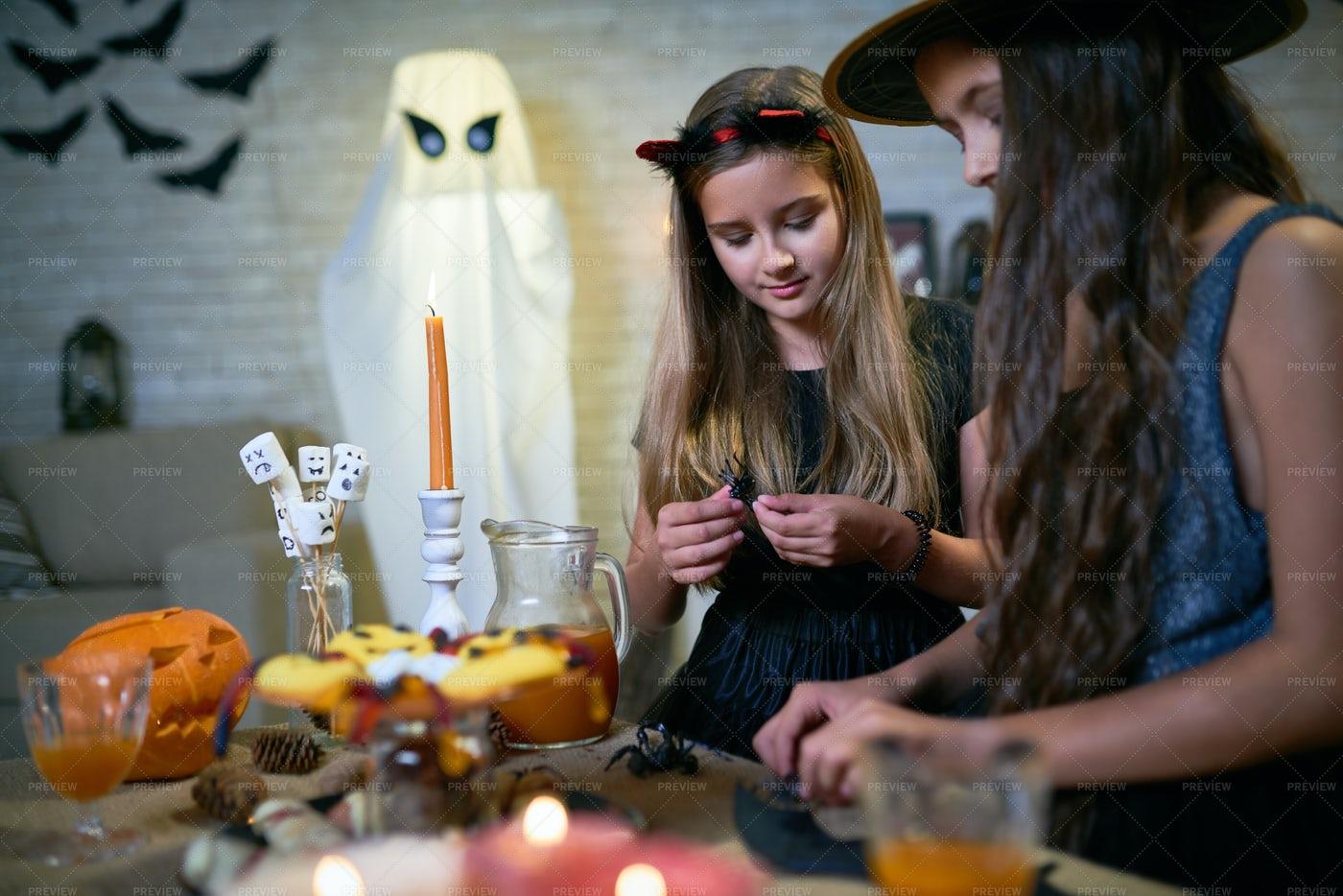 DIY Halloween Crafts For Kids: Stock Photos
