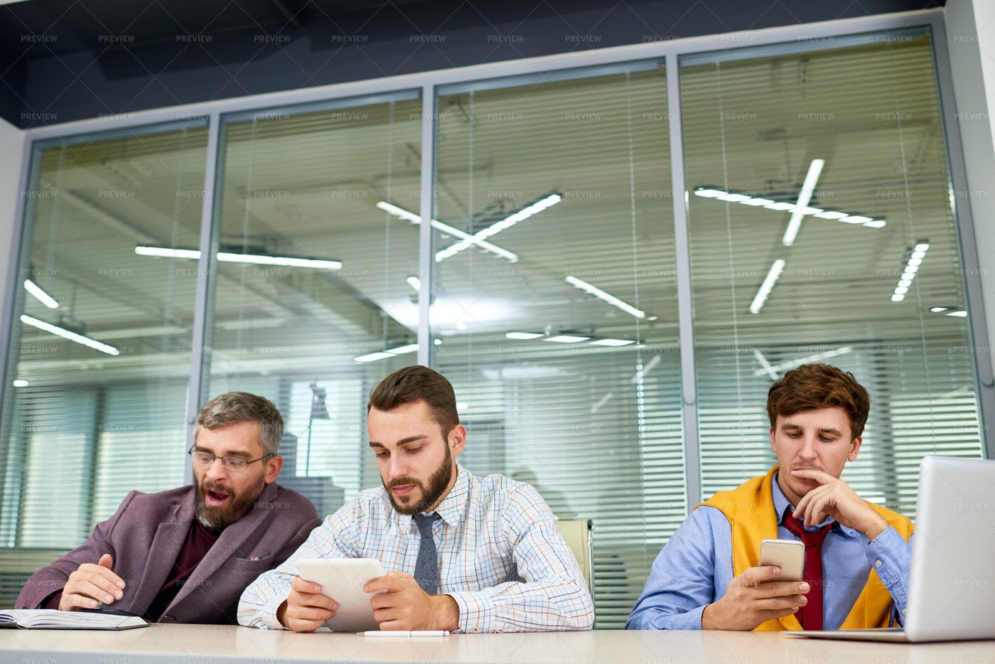 Business People Waiting For Meeting: Stock Photos