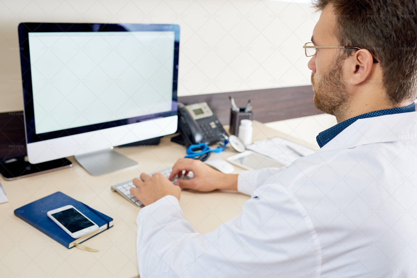 Doctor Working With PC: Stock Photos