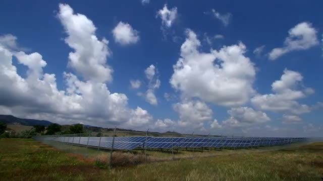 Solar Panel Array: Stock Video